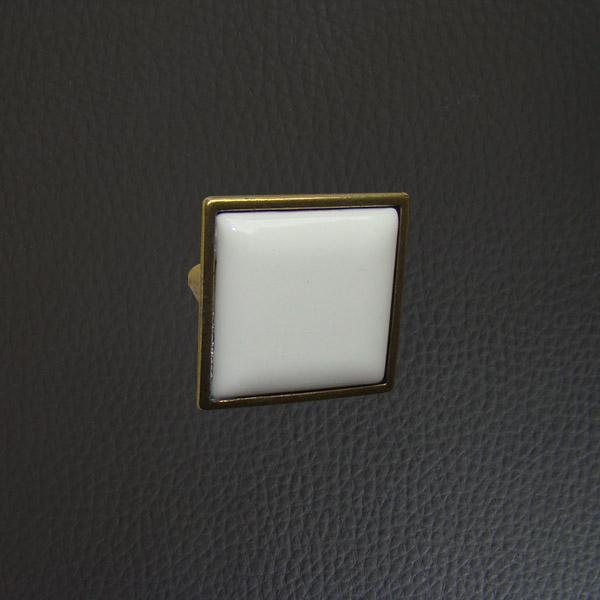 Мебелна дръжка 32 mm 09DO.5352.32.08.46