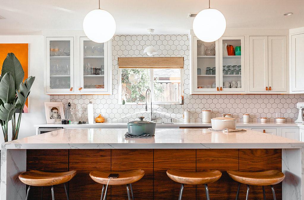 светъл гръб за кухня