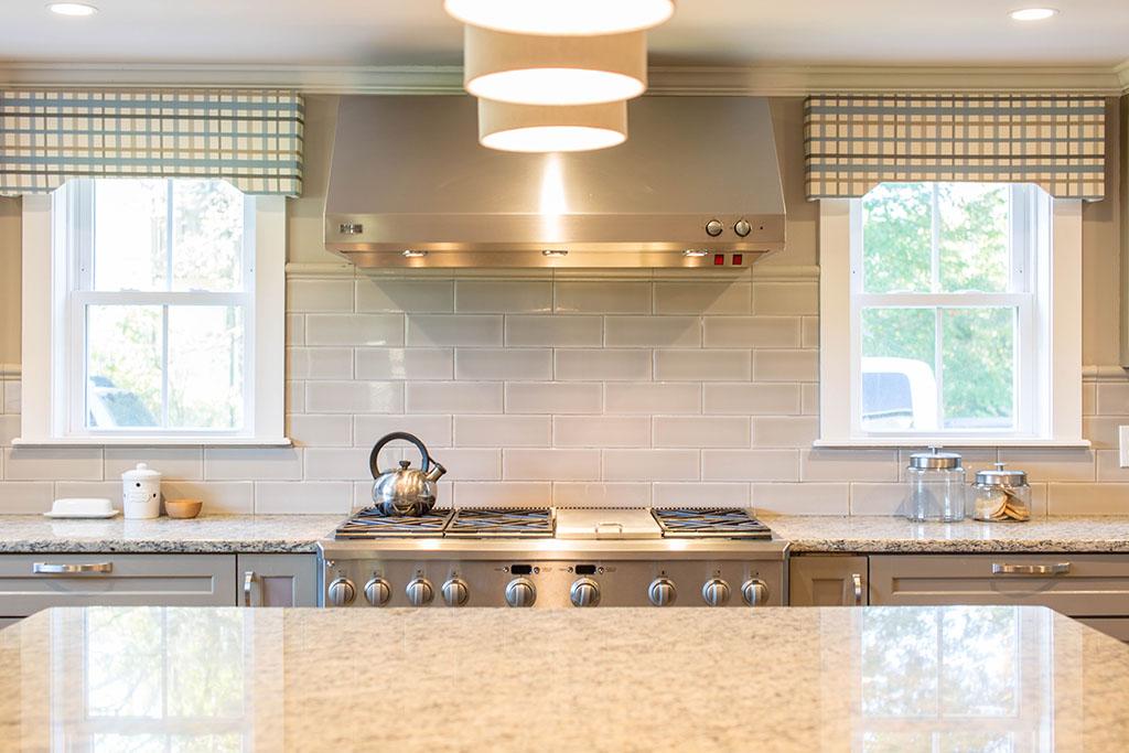 хоризонтални плочки гръб за кухня