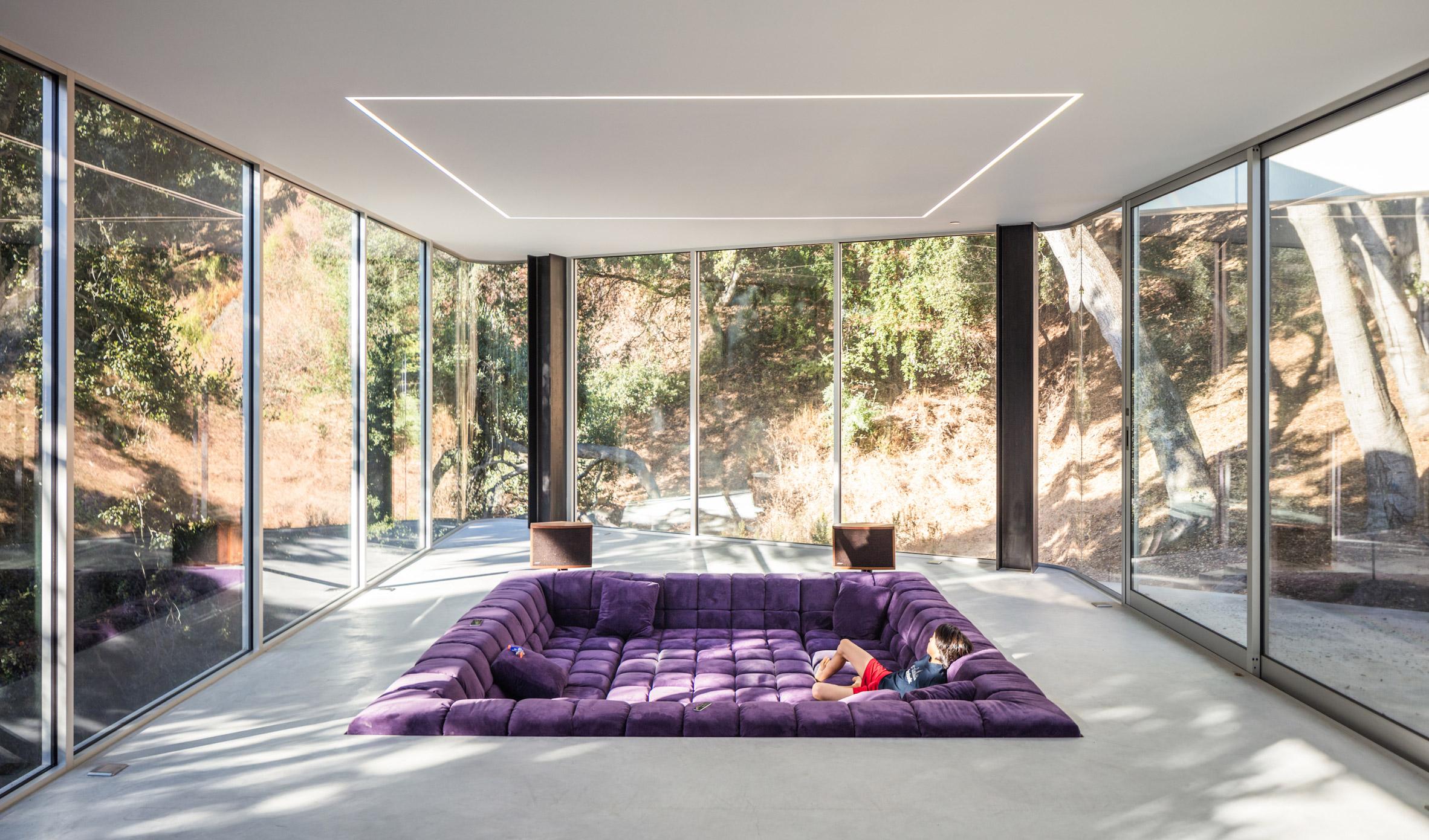 Крейг Стийли позиционира къща на хълм в Силиконовата долина