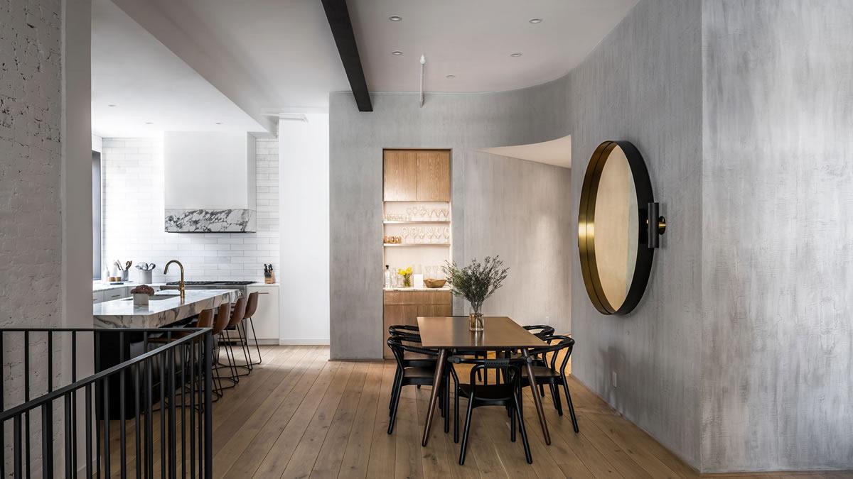 """Студио реконструира апартамент в бивш хотел с """"класически материали"""""""