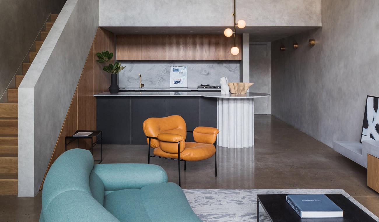 Апартамент в Сидни е издържан в мрачен сив интериор