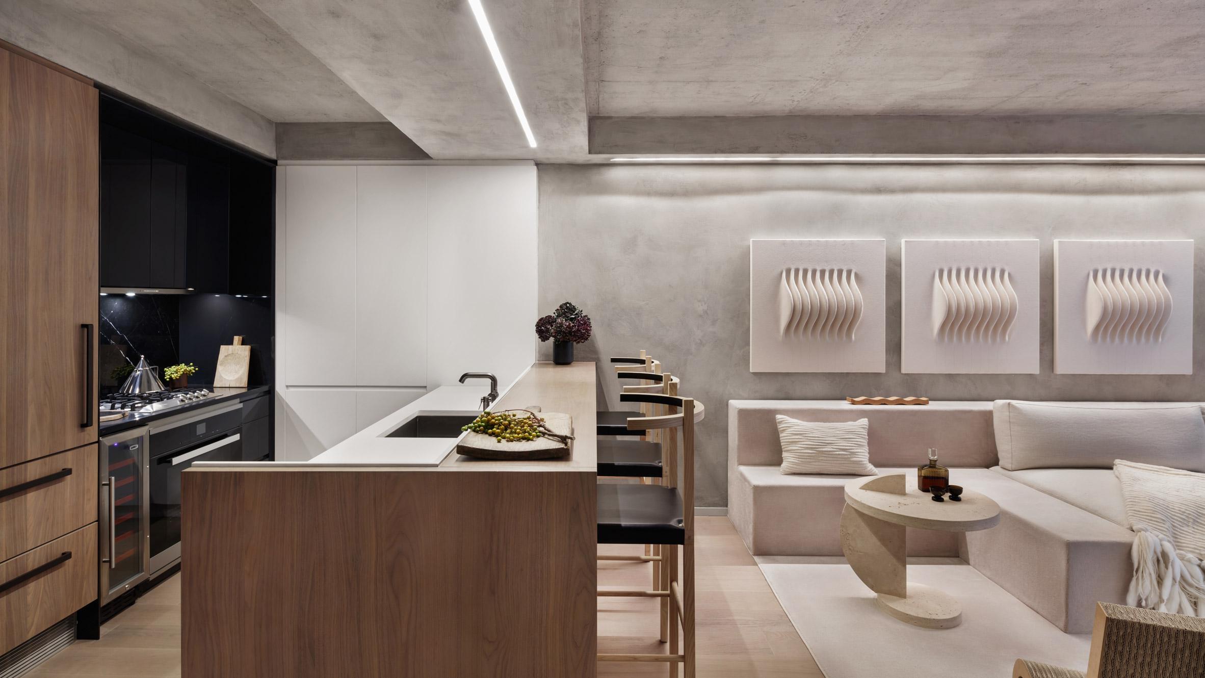 Нежни цветове са използвани за мострен апартамент в нова сграда