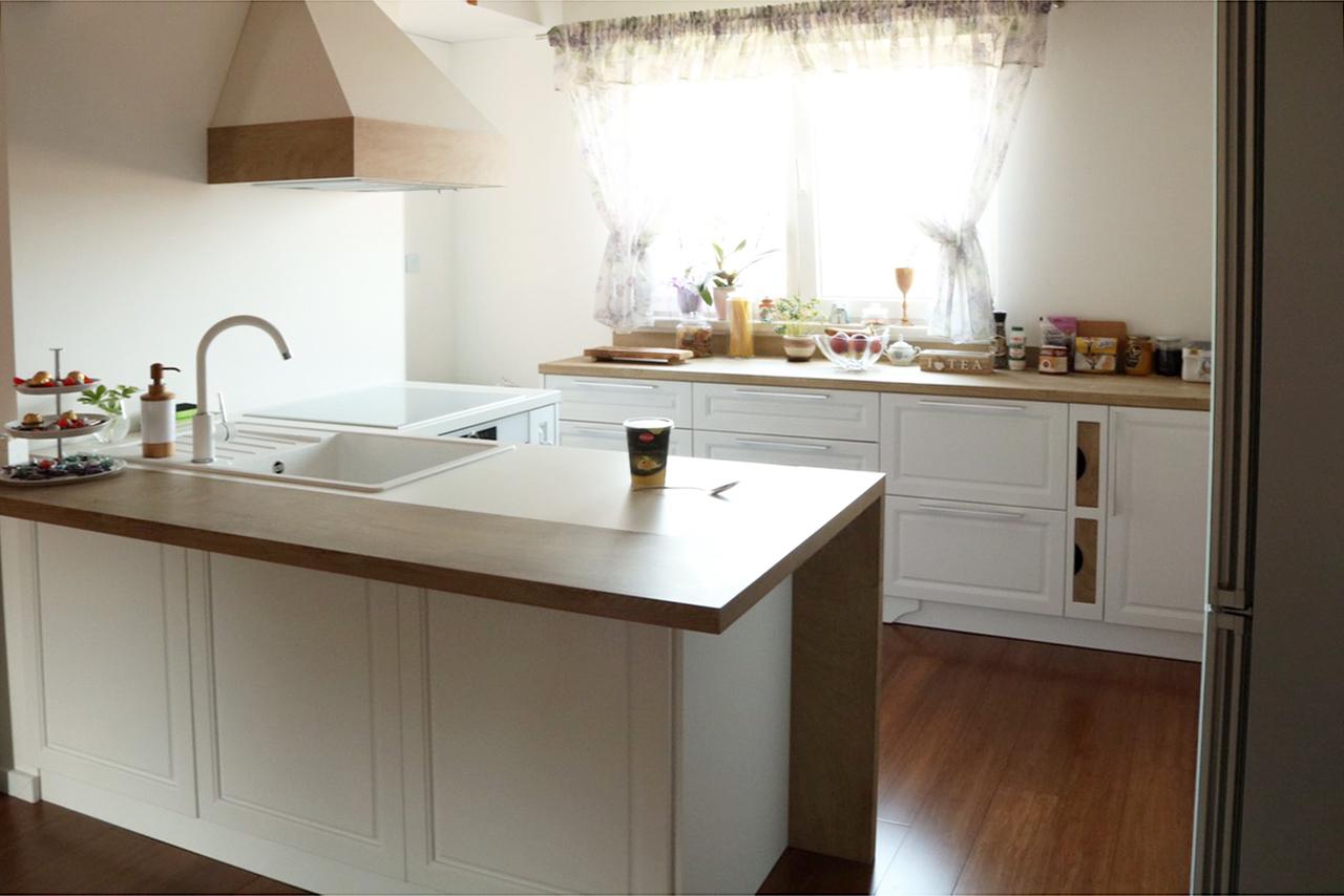 Малка кухня Мия - ретро усещане и естествени цветове и материали