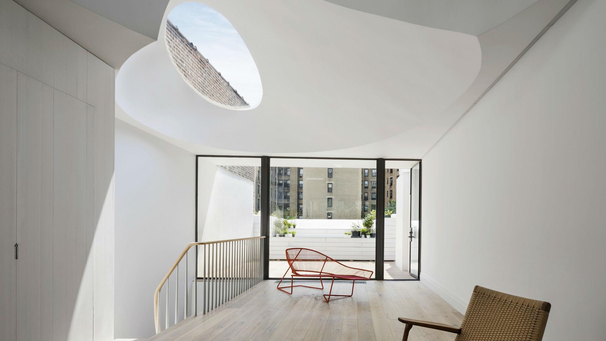 Елипсовидни тавански прозорци са акцента на Oculi House