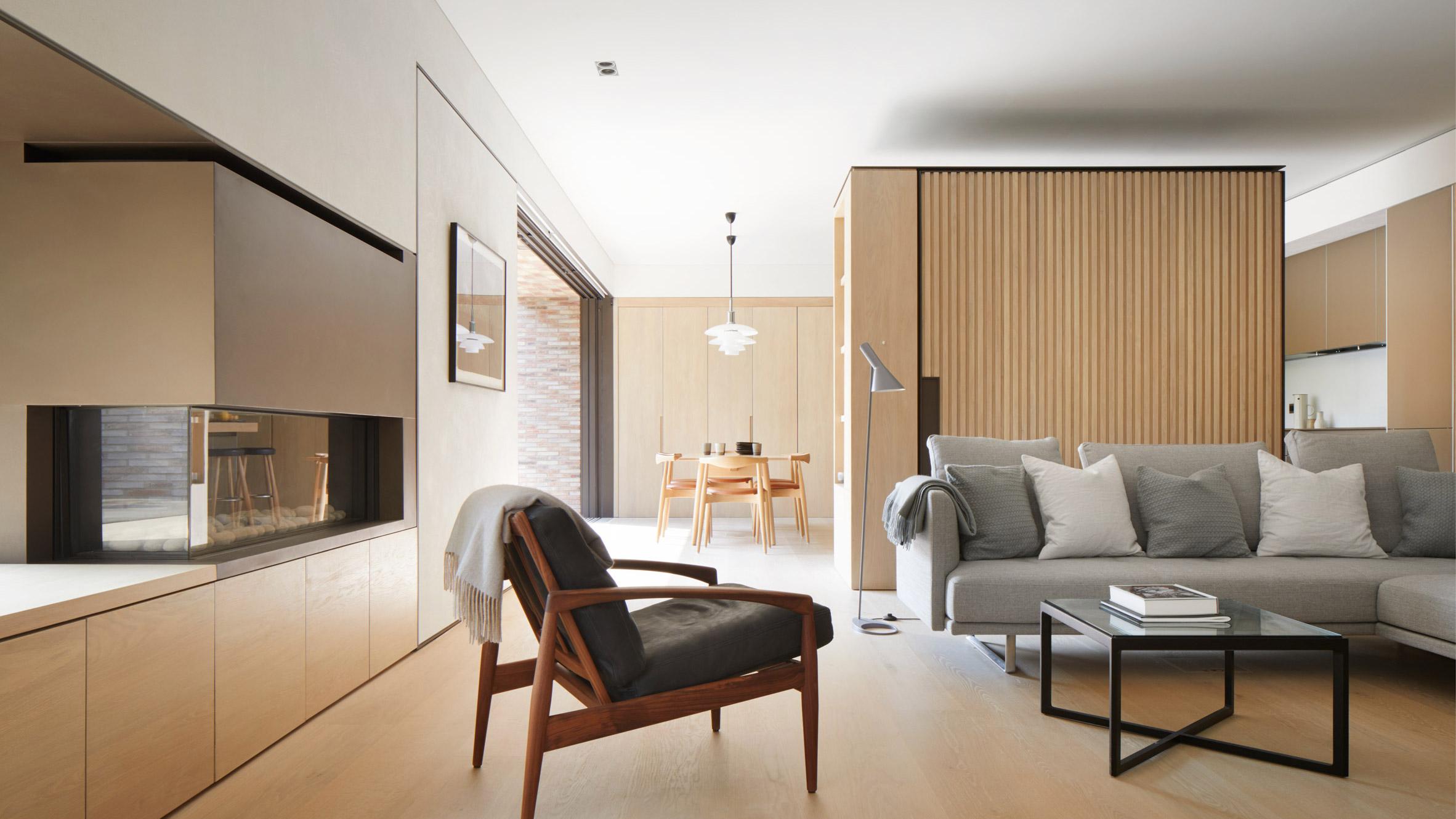 Текстурирана защитна обвивка придава нов вид на къща в Хампстед